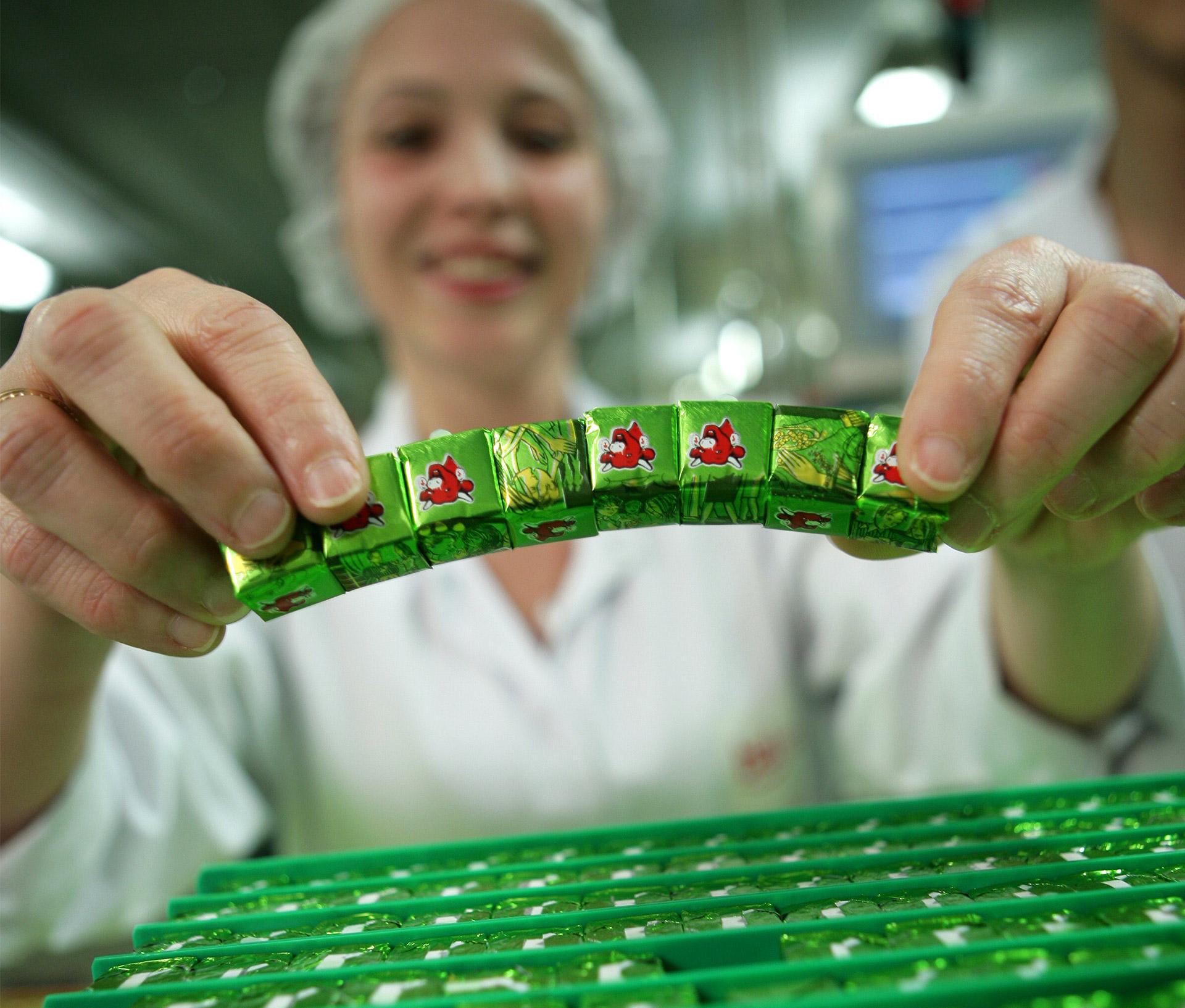 La conception d'huiles essentielles par Cosbionat, fabricant exclusif de la marque Dr Valnet